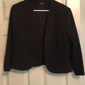 Tahari ASL Black 3/4 Sleeve Collarless Blazet